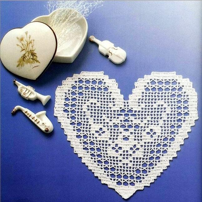 салфетка сердечко в технике филейного вязания схема